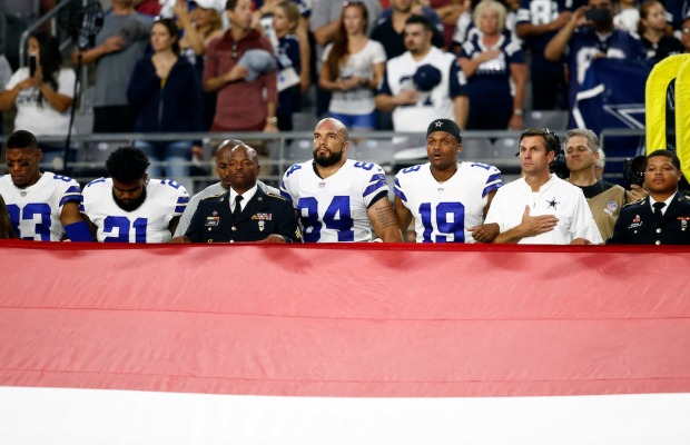 [NATL]NFL Players Protest During National Anthem After Trump's Criticism