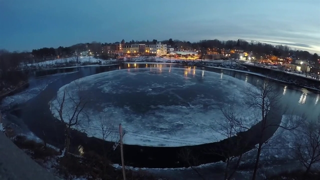 Time Lapse of the Westbrook, Maine Spinning Ice Disc