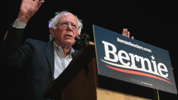 Sanders Releases Tax Returns as Dems Push to See Trump's