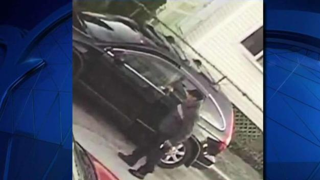 Police Warn of Carjacking Suspect on the Loose