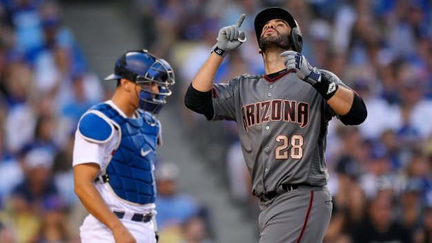 Reports: J.D. Martinez to Sign With Red Sox