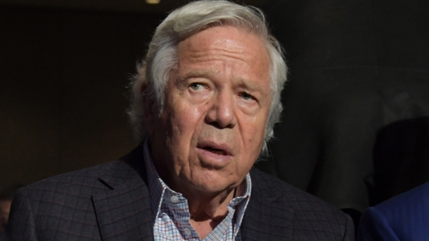 Report: Some in Kraft's Camp 'Can't Believe' He Won't Take Plea Deal