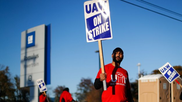 GM and Union Reach Tentative Deal That Could End Strike