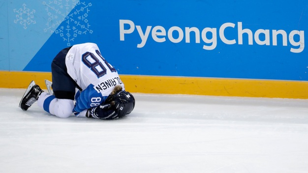 US Coach: No Fear of Suspension for Women's Hockey Final