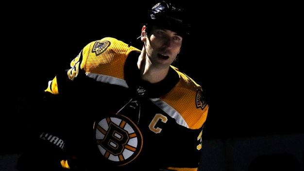Bruins' Zdeno Chara Shares the Gruesome Details of His Fractured Jaw