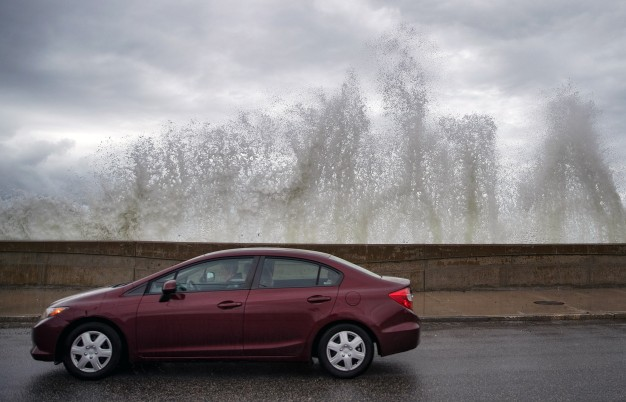 SPLASH! 8 Stunning Images From Monday's High Tide