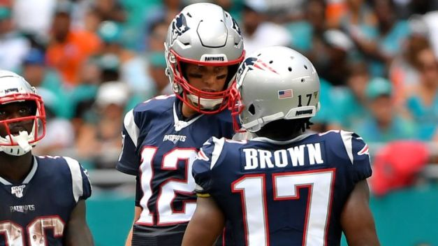 Tom Brady Reacts to, Shows Love for Antonio Brown's Instagram Post