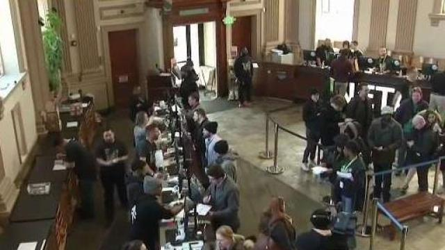 Hundreds Head to 1st Boston-Area Recreational Pot Shop