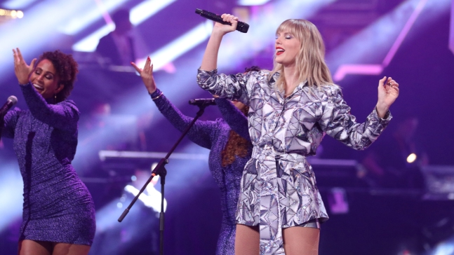 Swift Says AMAs Performance in Jeopardy Over Music Dispute