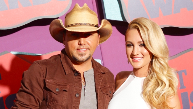 Jason Aldean and Wife Brittany Kerr Expecting 1st Child Together