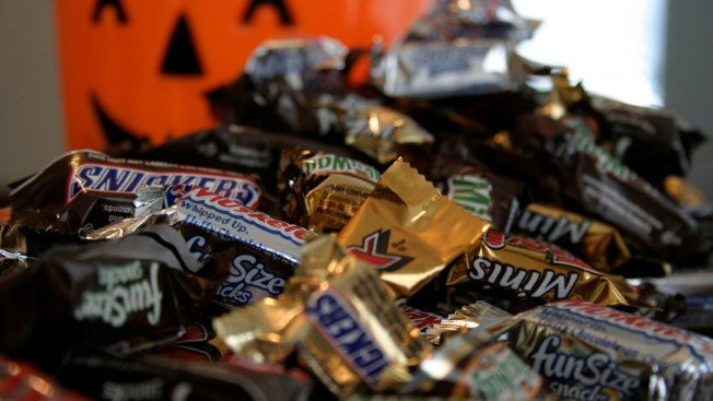Nutritionists Rank Halloween Candy from Better to Worst