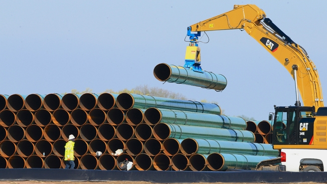Embattled Dakota Access Oil Pipeline Begins Service; Native American Tribes Remain Opposed