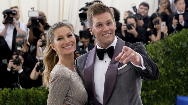 How Tom Brady and Gisele Spent the Patriots' Bye Week