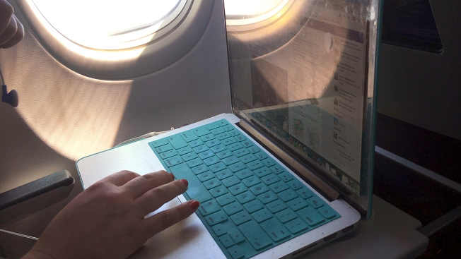 US Says Ban on Laptops in Airplane Cabins Has Been Lifted