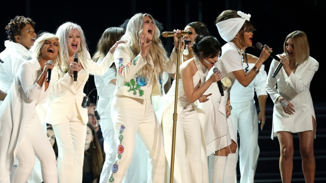 White Roses, Kesha Offer Rallying Cry for Women at Grammys