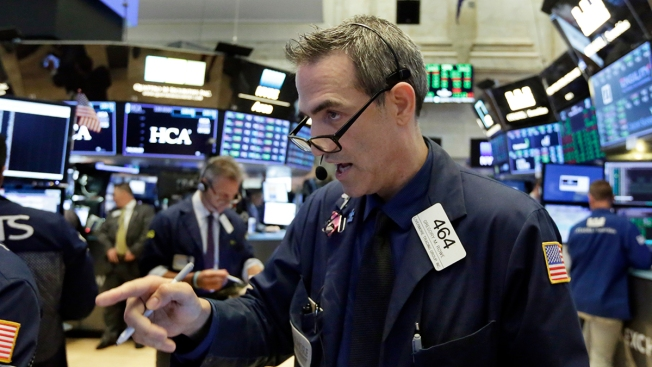 US Stocks Rally Ahead of China Trade Talks; Walmart Surges