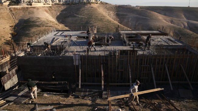 Israel Approves Building 700 Palestinian Homes, 6,000 Settlements in West Bank