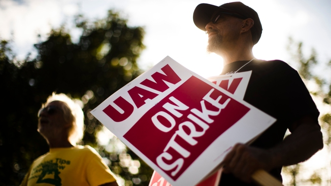 UAW Rejects GM Offer Over Pay, Temporary Workers: Source