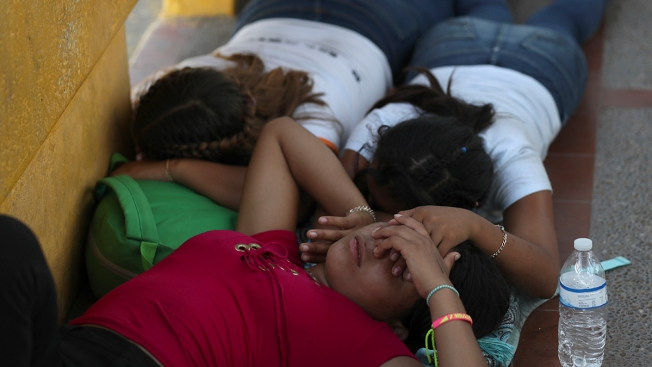 US-Mexico Border Bridge Reopens After Migrants Camp Out