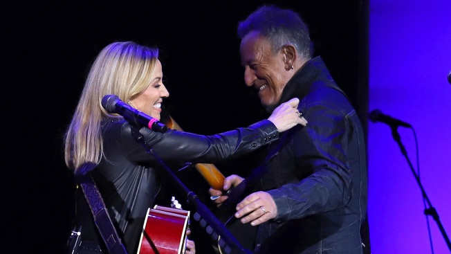 Sheryl Crow, Bruce Springsteen Help Raise Money for Vets