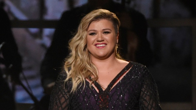 Kelly Clarkson, Chris Stapleton to Perform at CMT Awards