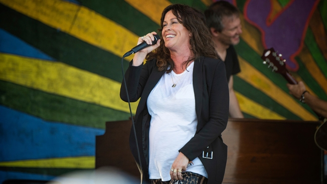 Alanis Morissette Announces Birth of Son