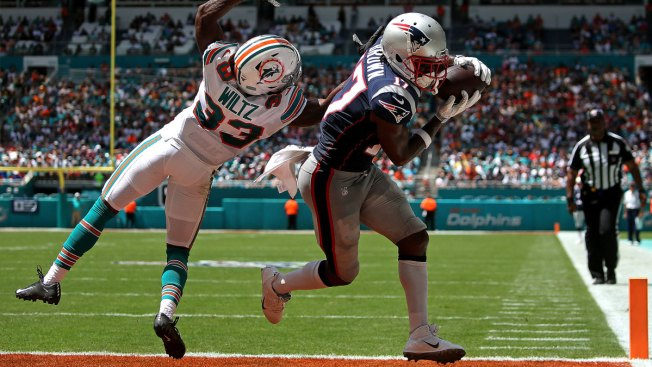 Antonio Brown Scores on Patriots Debut in Miami