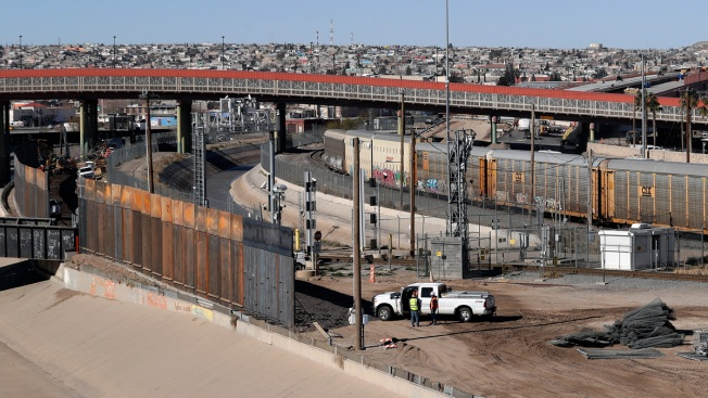 Defense Secretary OKs $1 Billion for Border Fencing Help