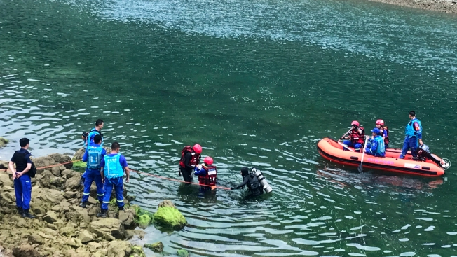 Boat Capsizes on Southwest China River, 10 Dead, 8 Missing