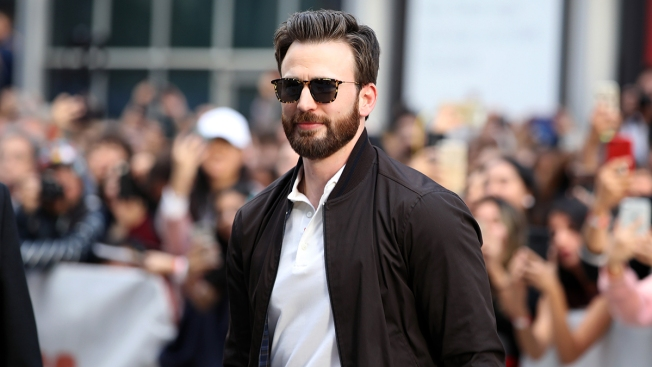 'Captain America' Chris Evans Helps Dedicate Youth Theater in Mass.