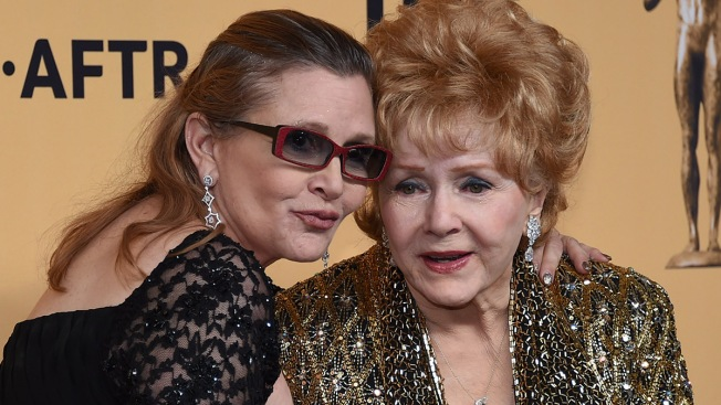 Broadway Theaters Dim Lights Friday for Debbie Reynolds, Carrie Fisher