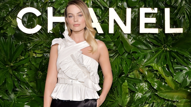 Actress Margot Robbie Feels 'Lucky' to Become Face of Chanel Perfume
