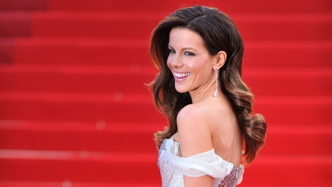 Kate Beckinsale Scrubs All Instagram Posts Amid Pete Davidson Romance