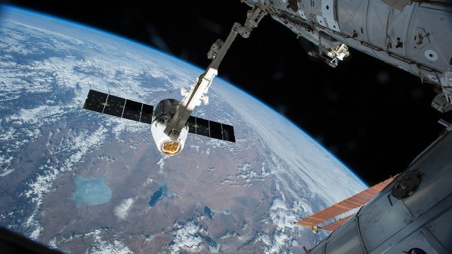 SpaceX Looks to Make Spaceflight History With Reused Dragon Capsule