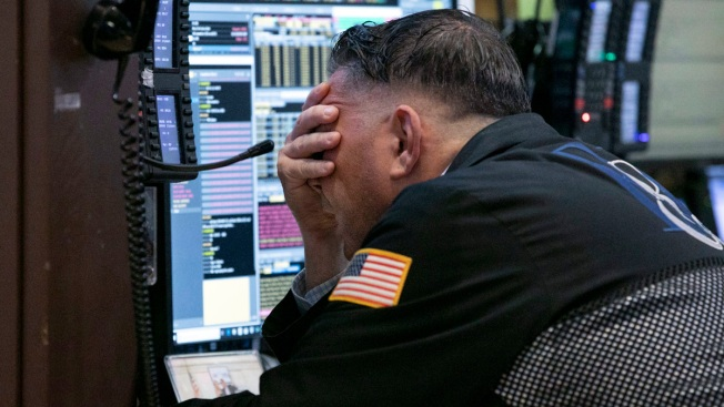 Stocks Tumble Again on Report US Plans More Tariffs
