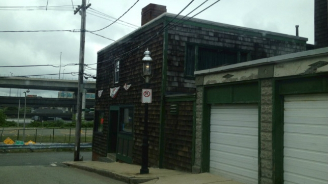 Old Sully's in Charlestown Is Apparently Closing