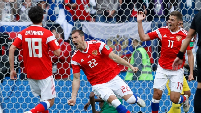 Hosts Russia Rout Saudi Arabia in World Cup Opener