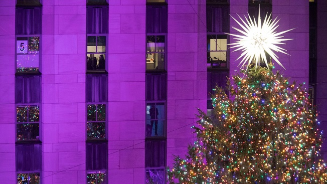 Sprucing Up in NYC: Rockefeller Center Lights Christmas Tree
