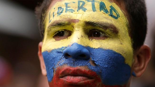 Cause of Venezuelan Chopper Crash Is Under Investigation