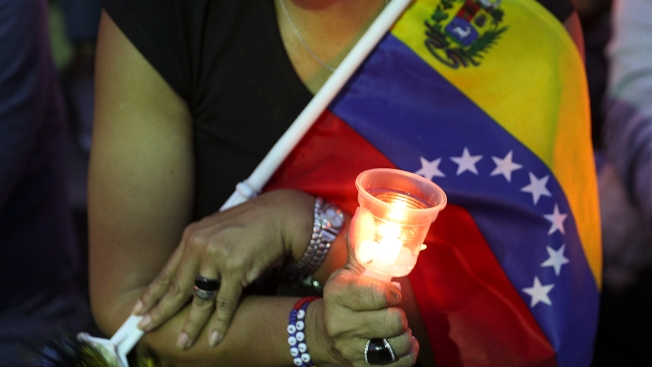 Venezuelans Hold Vigil for Those Killed in Street Clashes