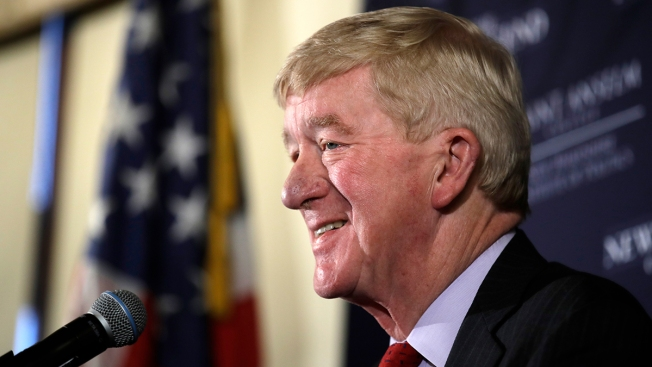 Weld Takes GOP Bid to Oust Trump to NH, Voters Confused