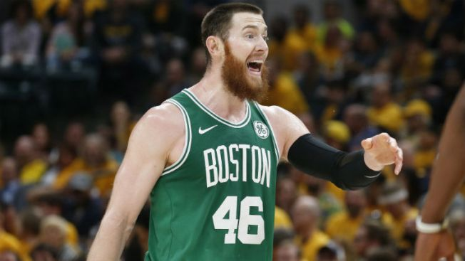 Baynes Exercises Player Option to Remain With Celtics