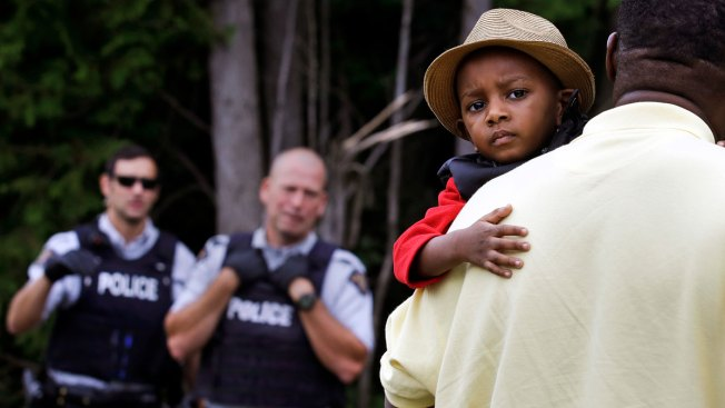Canadian Army Sets Up Camp for Irregular Migrants