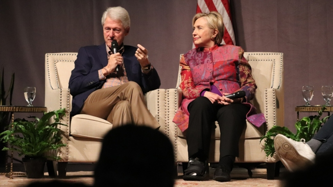 Hillary and Bill Clinton to Go on Tour This Year