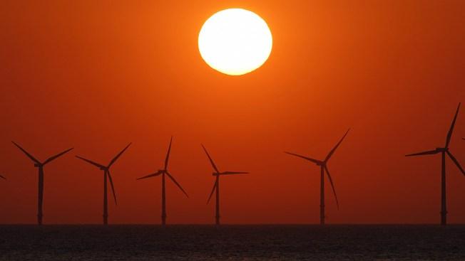 Wind Farm Proposal Off New England Wins Key Approval