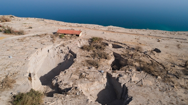 $1.5 Billion Plan Aims to Resurrect the Dead Sea