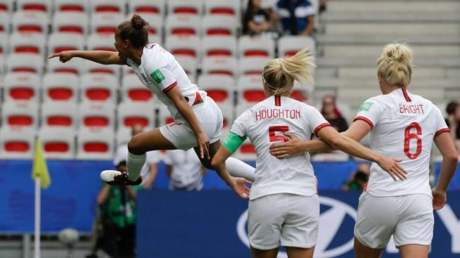 England Beats Neighbor Scotland 2-1 to Open World Cup