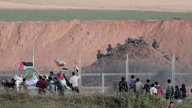 Israeli Airstrike on Gaza Border Kills Palestinian Ahead of New Protest