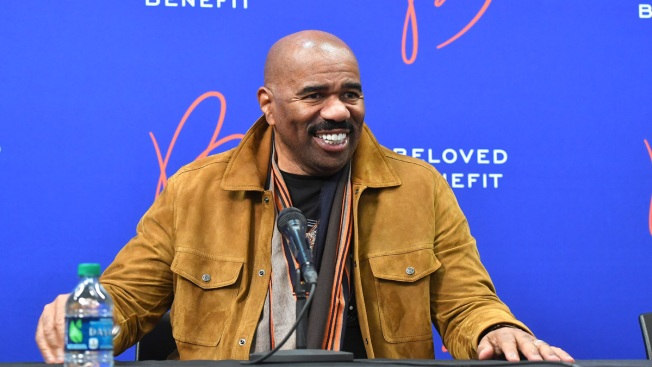 Talk Show Host Steve Harvey to Cover Students' College Costs
