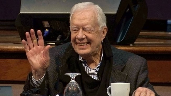 President Carter returns to Winnipeg's Habitat build